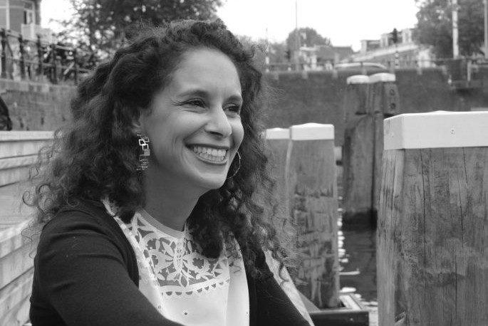 Un voyage en Tunisie avec Meriem Vidal, créatrice de bijoux qui raconte son parcours en toute transparence
